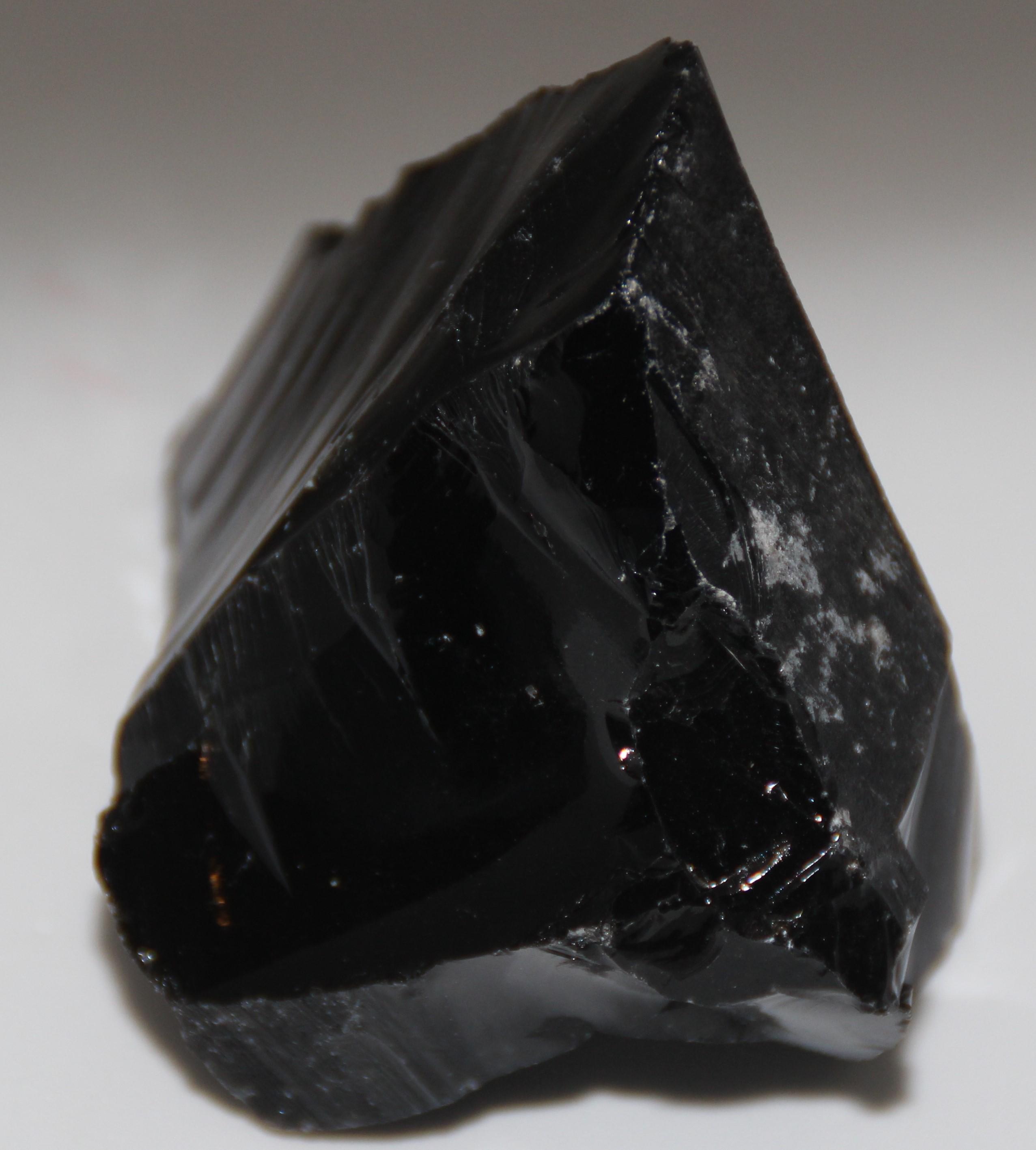 obsidienne-noire-brute-xl-150gr_shivaesoterismecom_lithotherapie_mineraux_halluin_lille_menen_comines_tournai_bruxelles_mons