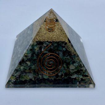 pyramide-orgonite-emeraude-9cm-x-9cm-xl_shiva_esoterisme_lithotherapie_mineraux_halluin_menen_tournai