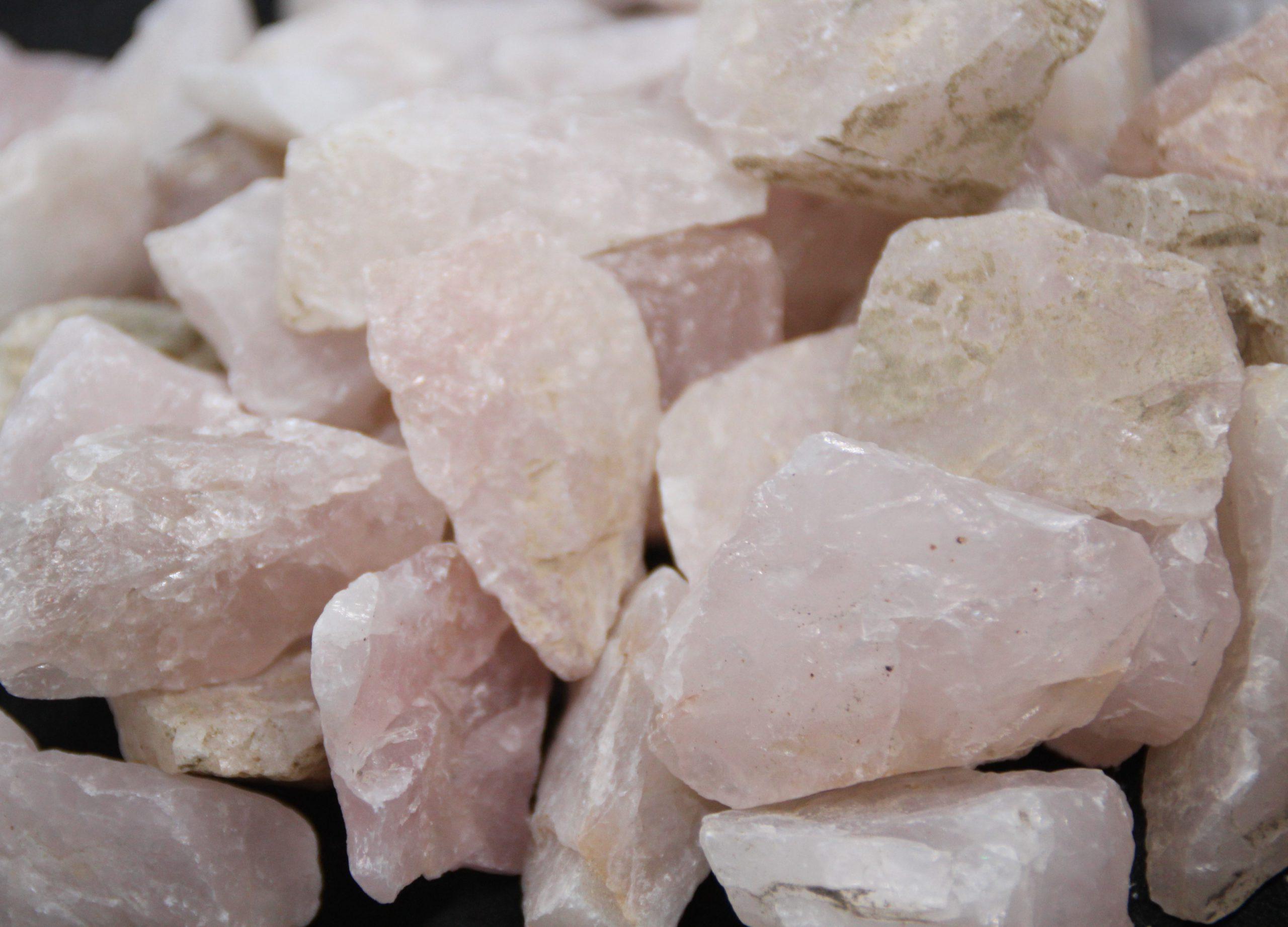 quartz-rose-brut-qualite-ab-SHIVA-ESOTERISME-LITHOTHERAPIE-MENEN-HALLUIN-PARIS-LILLE-MARSEILLE-NICE-FRANCE-BELGIQUE-marseille-poitiers
